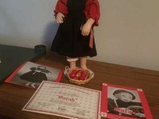 AMISH BlESSINGS   SARAH  DOll