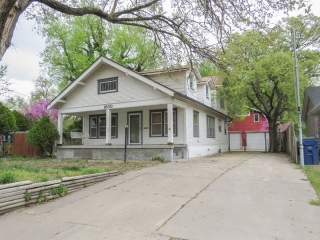 NW) ABSOLUTE 3-BR, 1-BA Bungalow w/ 3+ Car Garage in North Riverside