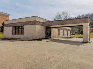 Professional Office Building Just off Route 50