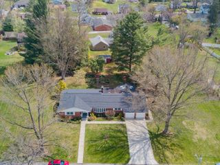 4 Bedroom Brick Ranch on 1.4 Acres in Bridgeport
