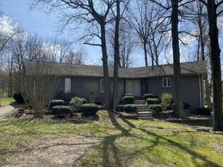 3 BED, 3 BATH RANCH HOME on 1.37 ACRES
