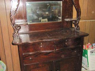 Antique & Collectible Auction