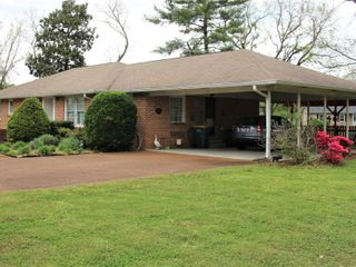 Brick Home & 2 Acres - Personal Property - Spring Hill