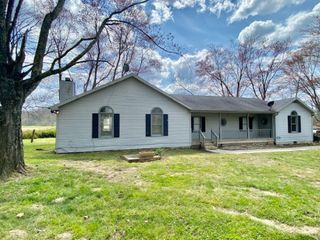 House & 1.21 Acres m/l - Absolute Online Only Auction