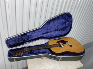 Farm House - Guitars - Collectibles - Jewelry - More