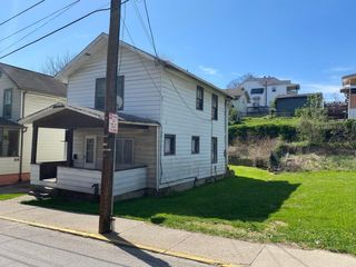 2-Story Home Selling to the Highest Bidder