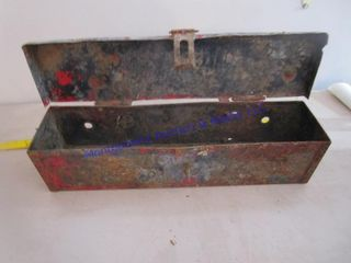 TRACTOR TOOlBOX