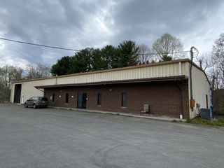 11,000 sqft Commercial Building Selling to the Highest Bidder