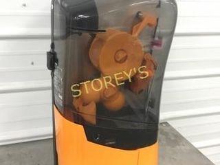 Zumex Orange Juice Machine   WOW