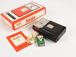 1960 S SINClAIR GAS PUMP TRANSISTER RADIO  BOX NOS