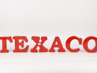 TEXACO 3D METAl lETTERS   NEW