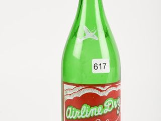 AIRlINE DRY GINGERAlE 30 OZS  GREEN GlASS BOTTlE