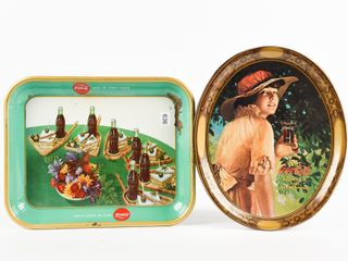 lOT OF 2 COCA COlA PAINTED METAl SERVING TRAYS