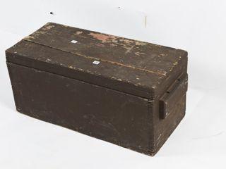 ANTIQUE CARPENTERS WOODEN TOOl BOX