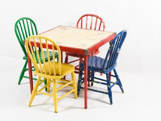 VINTAGE CHIlD S CARD TABlE   4 CHAIRS