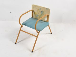 VINTAGE CHIlD S SEAT WITH FOlDING TRAY