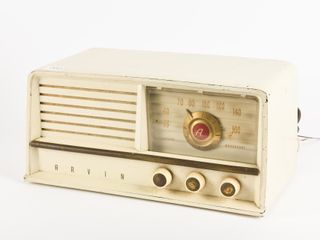 CANADIAN ARVIN MODEl 460  T RADIO