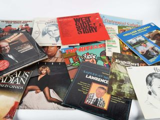 lOT OF ROCK N  ROll  COUNTRY RECORDS