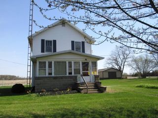 Farmhouse on 2 acres w/ 40x60 Morton Building