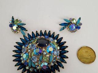 Stunning Large Blue Metallic Glass Pin & Earrings