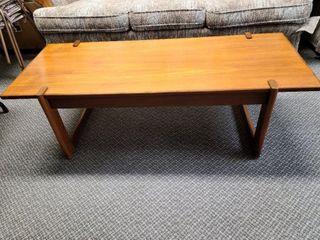 Wood Coffee Table Mahogany / Teak ?