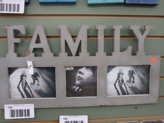 FAMIlY PICTURE FRAME   22  X 11