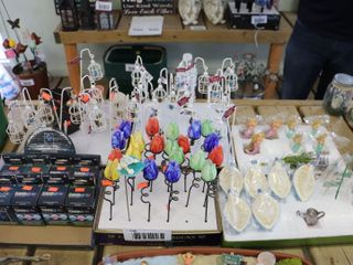 lARGE QUANTITY OF GARDEN ORNAMENTS