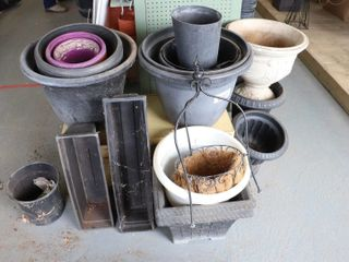 QUANTITY OF USED FlOWER POTS