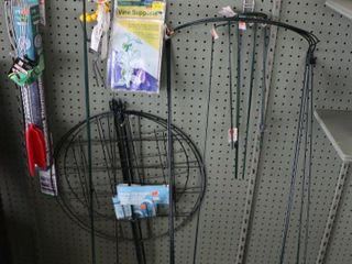 QUANTITY OF WIRE GARDEN ITEMS