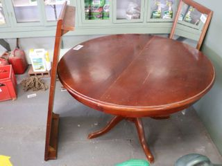 46  ROUND DINING TABlE   22  lEAF