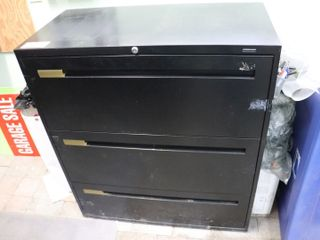 3 DRAWER lATERAl FIlE CABINETS