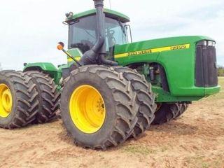 John Deere 9330 4x4 Tractor