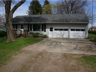Closing June 8, 2021 @ 6:00 P.M.  -- UPCOMING ONLINE ONLY HOUSE AUCTION!! This Property Features a Ranch Style Home That Would Make A Great Home Or A Great Investment Opportunity! --  Dayle Colberg Estate � Owner