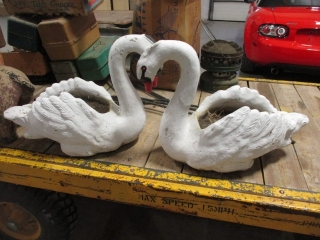 HOUSEHOLD, ANTIQUES & COLLECTIBLES AUCTION