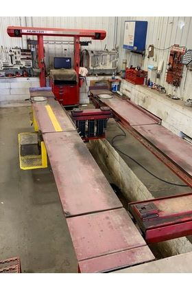 Closing May 28, 2021 @5:00 PM Online Only Auction Of A Hunter DSP400 Alignment Machine