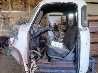 Ross Antique Auto - Parts - Farm Equipment Auction