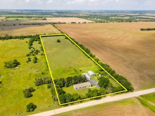 (Clearwater) NO MIN/NO RES 3-BR, 2-BA Home on 10 +/- Acres w/ Outbuildings