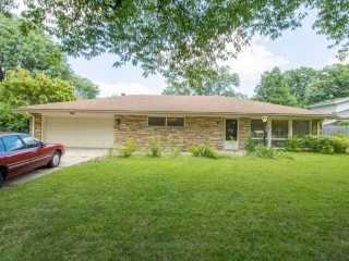 E) ABSOLUTE 3-BR, 2.5-BA Ranch w/ In-Ground Pool