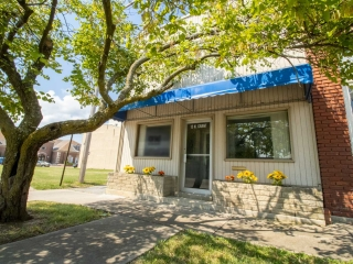 Chanute) 2,422 +/- Sq.Ft. Commercial Storefront Building