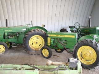 Unreserved Timed ONLINE Estate  Auction Approx 40 JD TRACTORS,Antiques,Vehicles and More