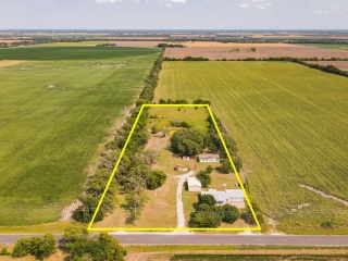 Clearwater) ABSOLUTE 2 Homes on 4.93 +/- Acres