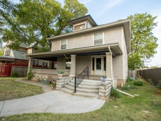 N) 5-BR, 2-BA Two-Story Home