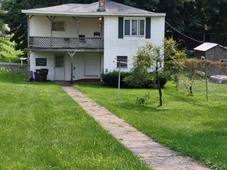 1015 Webster Street, Farrell, PA 16121