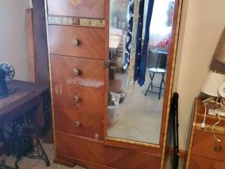 Trenton Estate Sale Online Auction - Lyndale Avenue