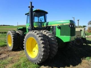 John Deere Tractors & Farm Machinery